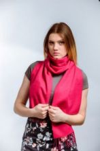 шарф 100% шерсть ягнёнка , модный клюквенный цвет Cranberry  ,плотность 6